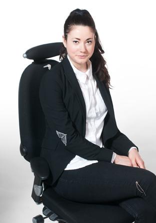 employee with sensors female