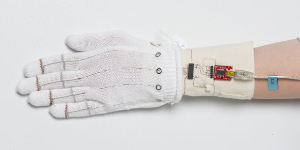 First working model for the piezoresistive glove