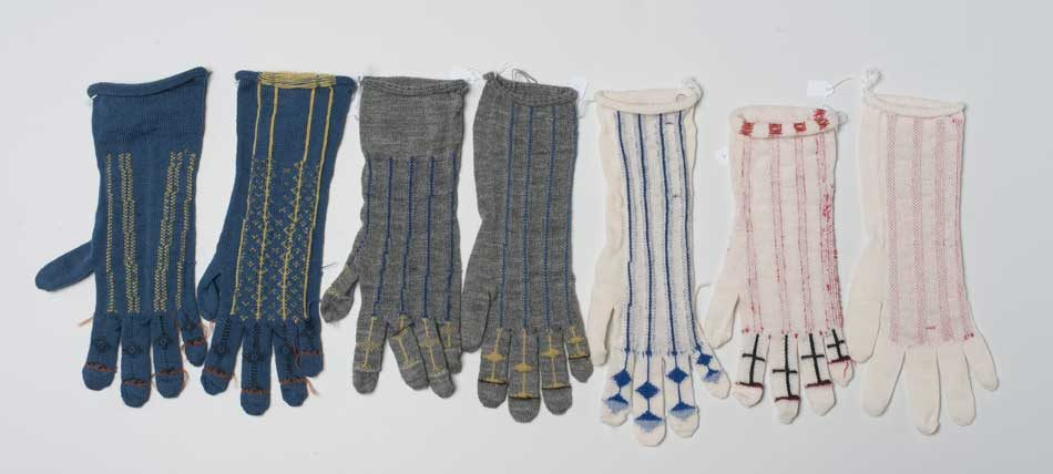 Iterations for the glove knitting pattern